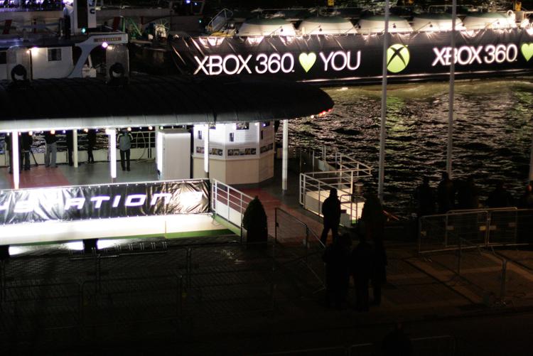 Xbox360lovesyou.jpg