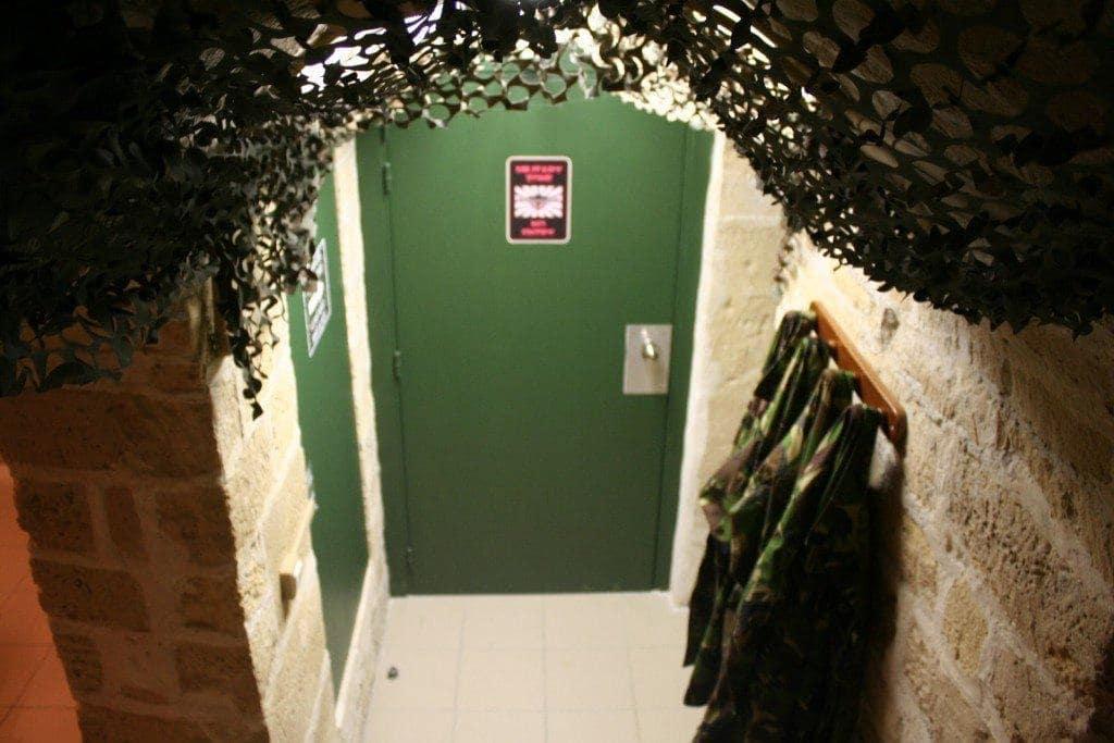 Fox-In-a-Box-Paris-Bunker-2.jpg