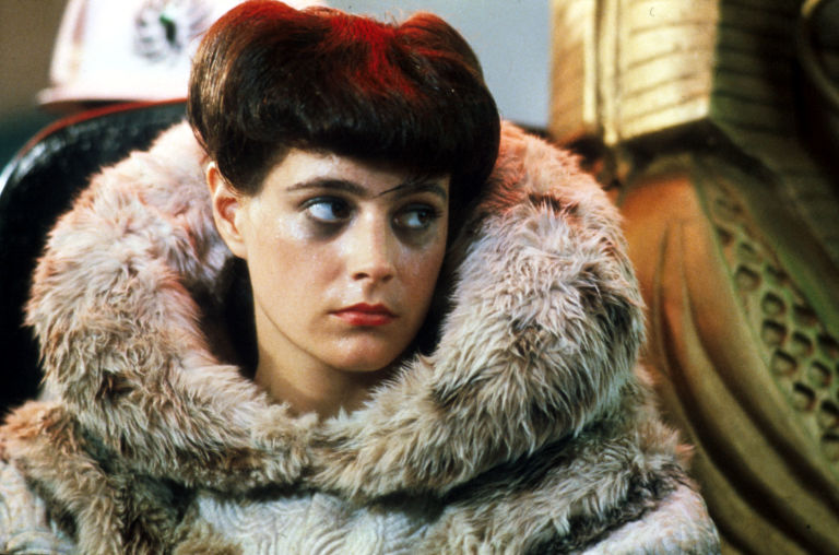 gallery-1447845386-rachel-sean-young-blade-runner.jpg